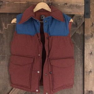 Vintage retro down puffy vest